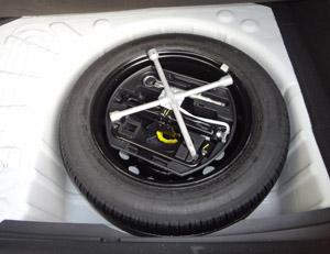 pneu crev changer votre roue. Black Bedroom Furniture Sets. Home Design Ideas